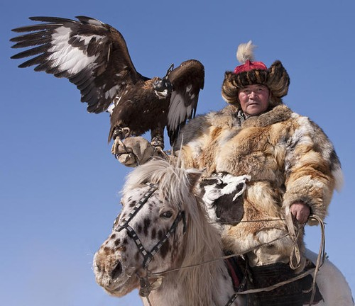 mongolian-kazakh-eagle-hunter